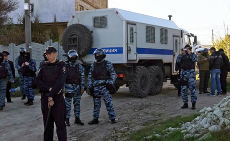 93cb8884117463 В окупованому Криму пройшли нові обшуки у кримських татар | Новини